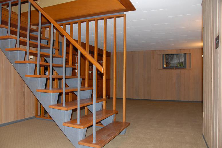 Lower Level Staircase